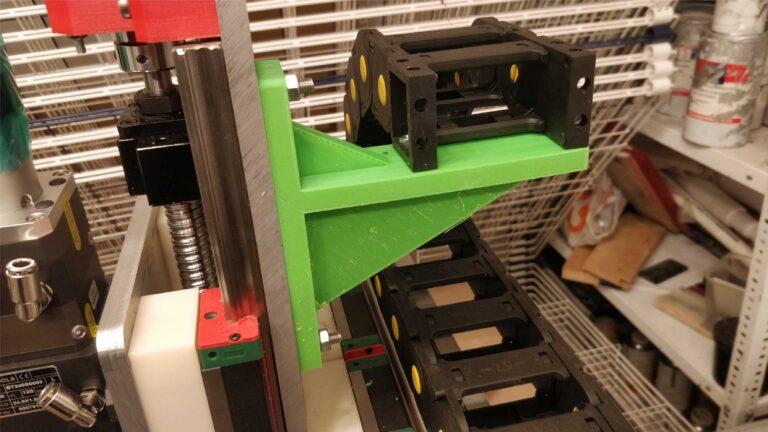 prowadnik kabli osi X 768x432 - Budujemy laser