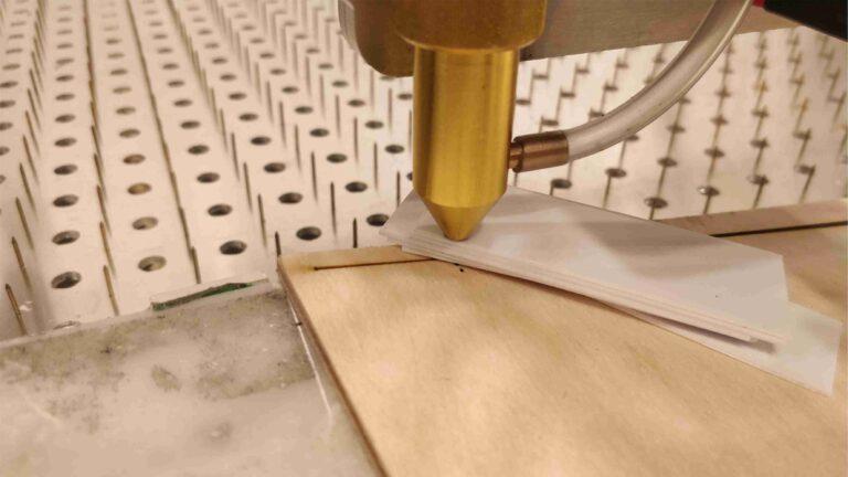 odleglosc ogniska od glowicy 768x432 - Budujemy laser