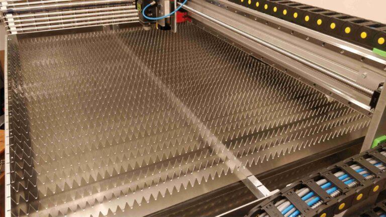 ruszt lasera fibrowego 768x432 - Budujemy laser